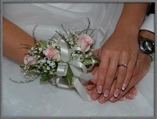 zásnubní prsten těsně před svatbou